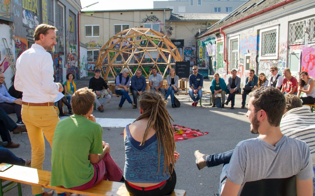 Erster Dome-Talk beim Demokratie-Camp in Wels